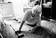 Une femme agee est tombee par terre 53876 14583